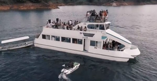 Guatape Boat Party - Party Boat Rentals Guatapé Medellin