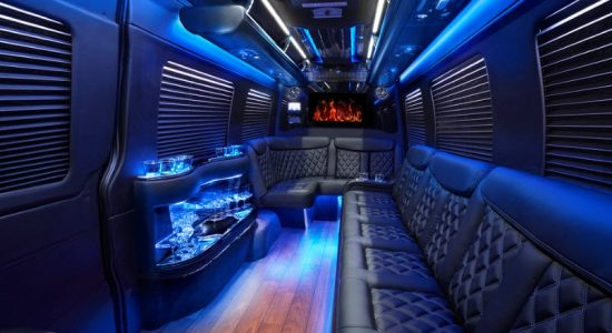 Limo-Rent-Medellin-Bachelor-Party-4