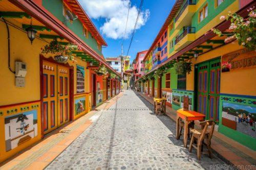 guatape_town