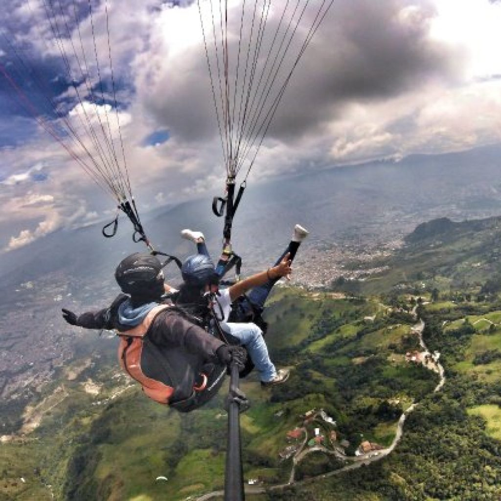 paragliding-in-medellin