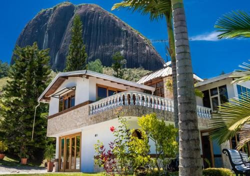 where-to-stay-guatape-tour-medellin